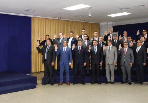 JuramentaciondeFuncionarios3cu_e520x360